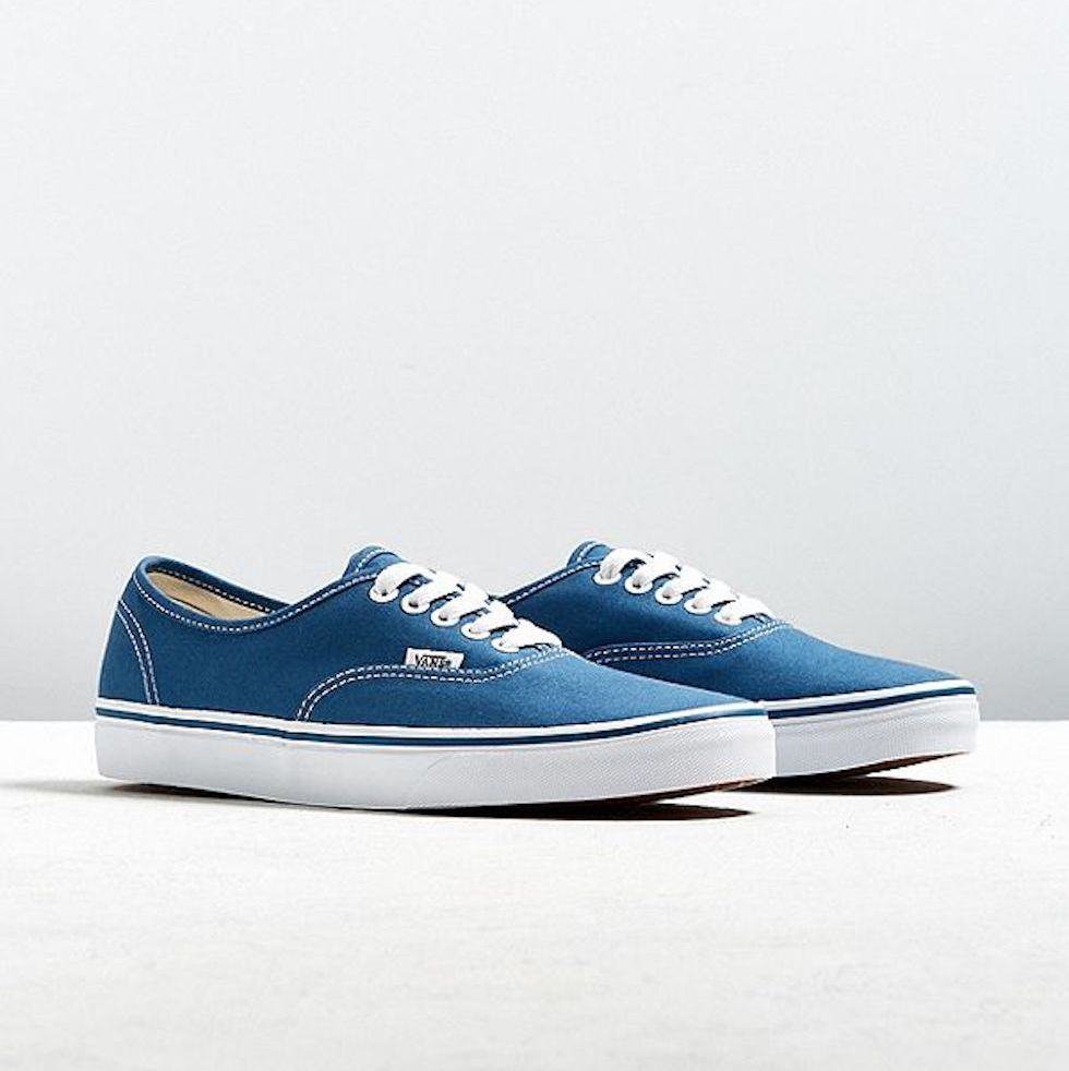 1526653440-vans-authentic-sneaker-1526653417_0.jpg